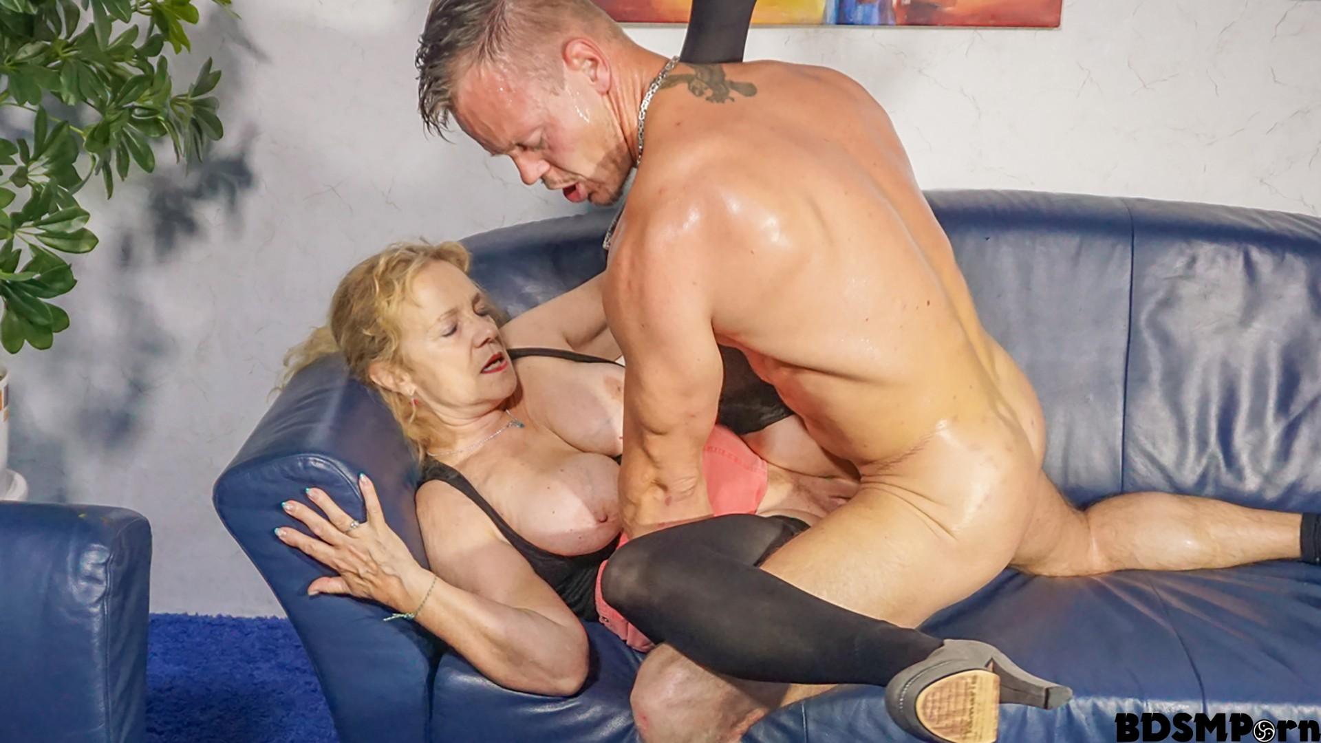 Hausfrauficken.com – Cum on tits splurge for busty.. PD Yvonne & Bodo 2018  Cowgirl