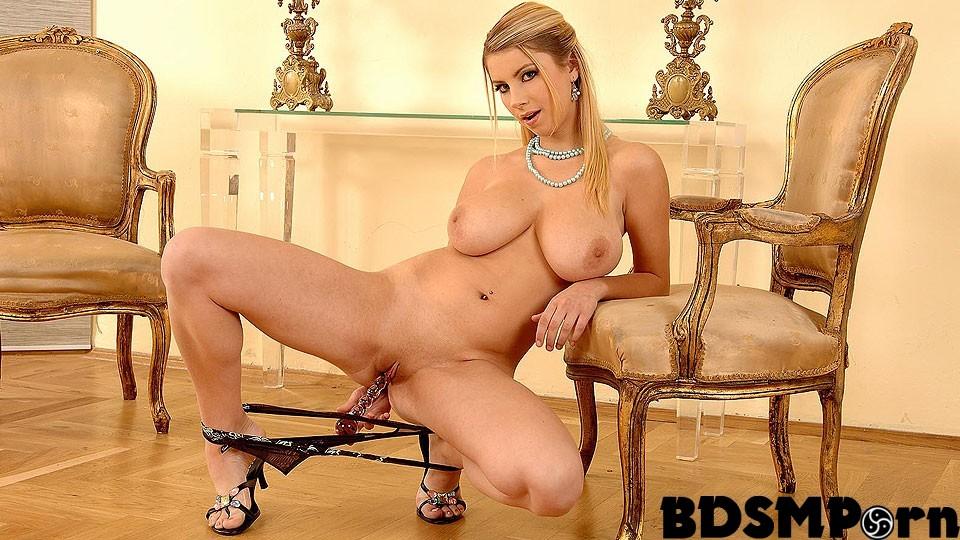 Katerina hartlova nude bouncing boobs