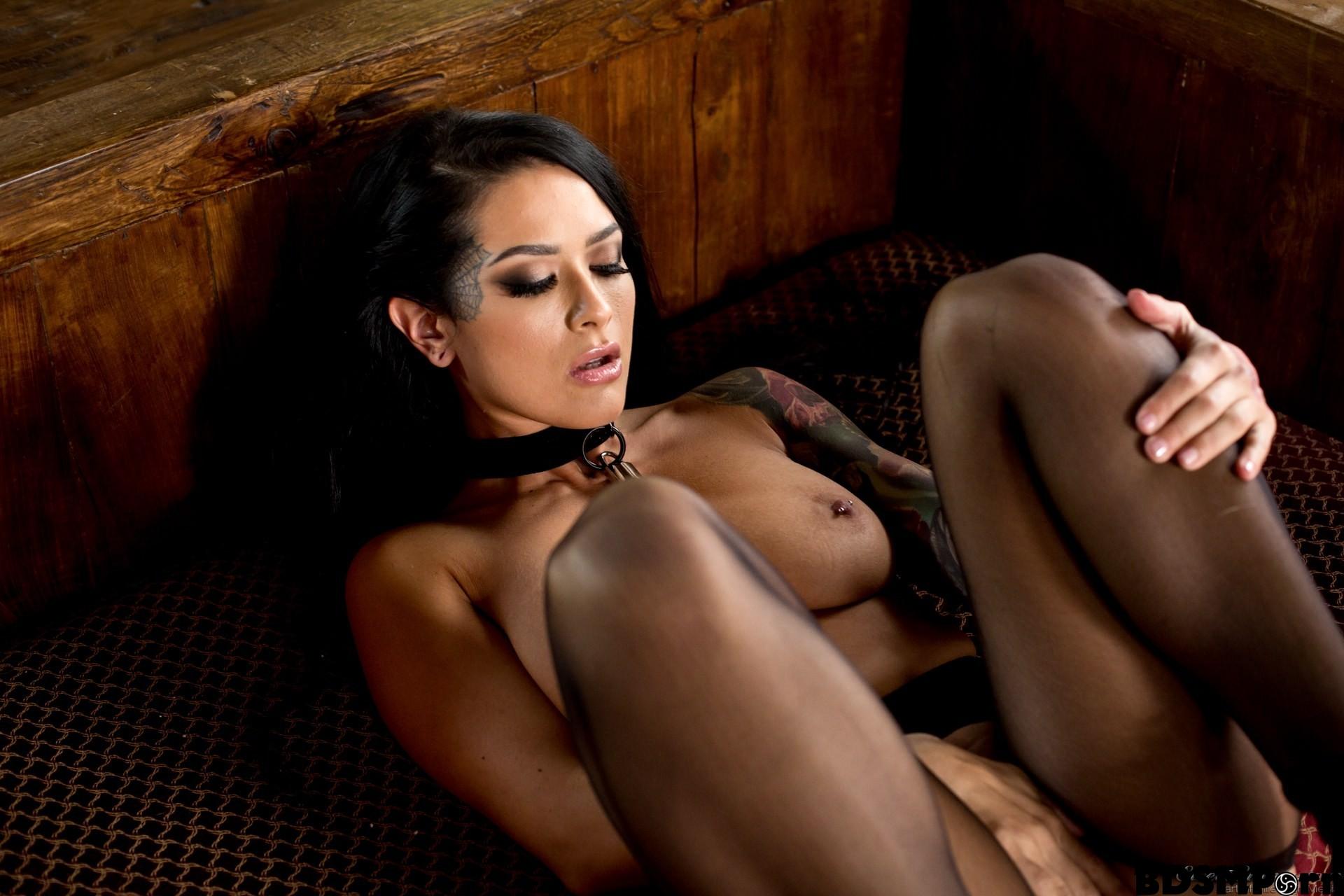 Women mature nude full figured