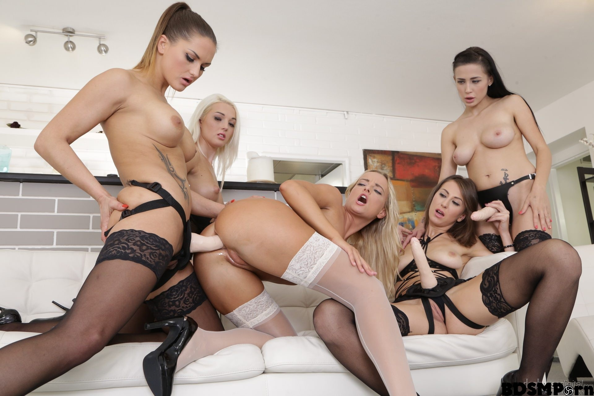 Strapon Porn Girls