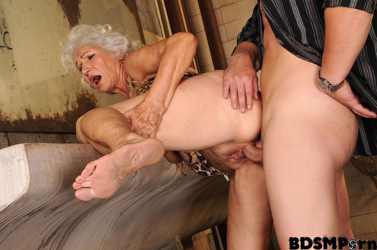 almost linda lovelace deepthroat picture not so. can